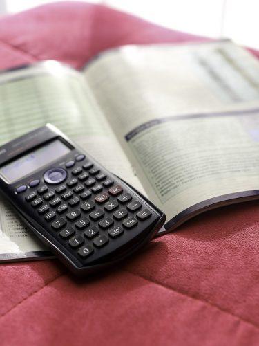 Harga Kalkulator Scientific Wajar Jika Mahal karena Punya 4 Kelebihan Ini!